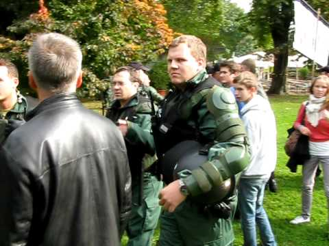 """Stuttgart 21 Schülerdemonstration """"Planloser Polizeieinsatz"""""""