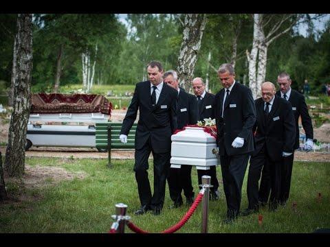 Beerdigung einer vierfachen syrischen Mutter (34), die auf dem Weg nach Europa ertrunken ist