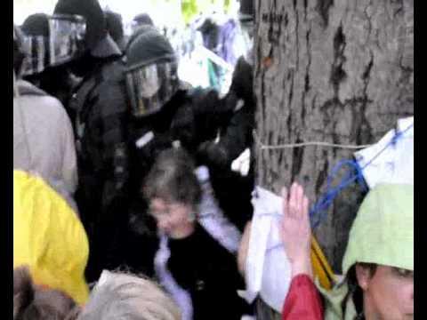 Polizeieinsatz bei Demo gegen Stuttgart 21 am 30.09.2010