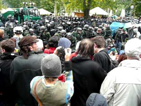 Stuttgart 21 Demo Polizei Gewalt gegen Kinder Schüler Rentner 30.09.2010 Mappus weg Rücktritt