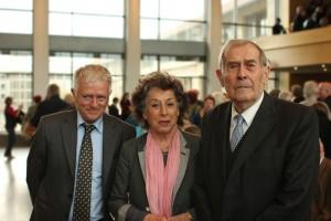 Fritz Kuhn, Lea Rosh und Eberhard Jäckel, cc-by: Fritz Mielert/Die AnStifter