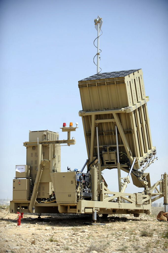 800px-Iron_Dome_Battery_Deployed_Near_Ashkelon