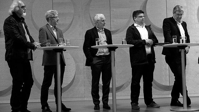 Jama Maqsudi, Pfarrer Joachim Schlecht, Dr. Michael Jantzer, Daniel Lede Abal und Bernd Rixinger (v. l. n. r.) Foto: © M. Seehoff